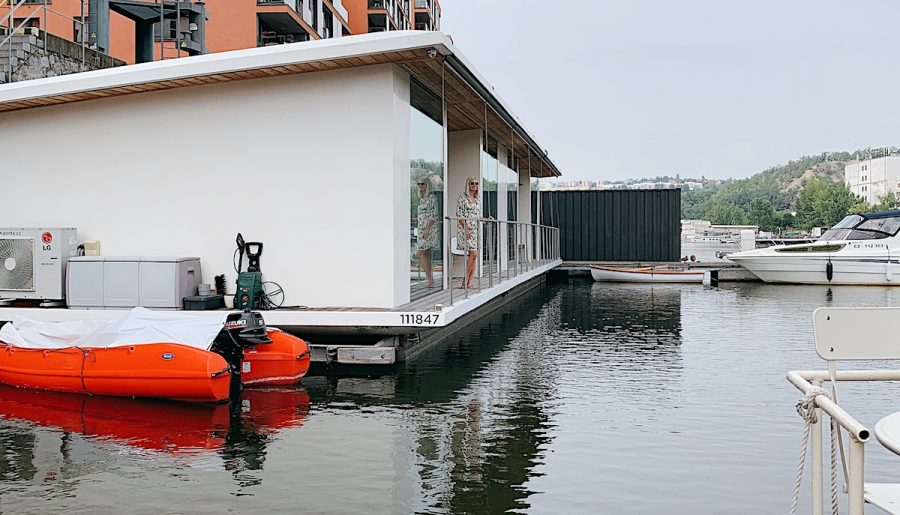Floating House PORT X in Prag